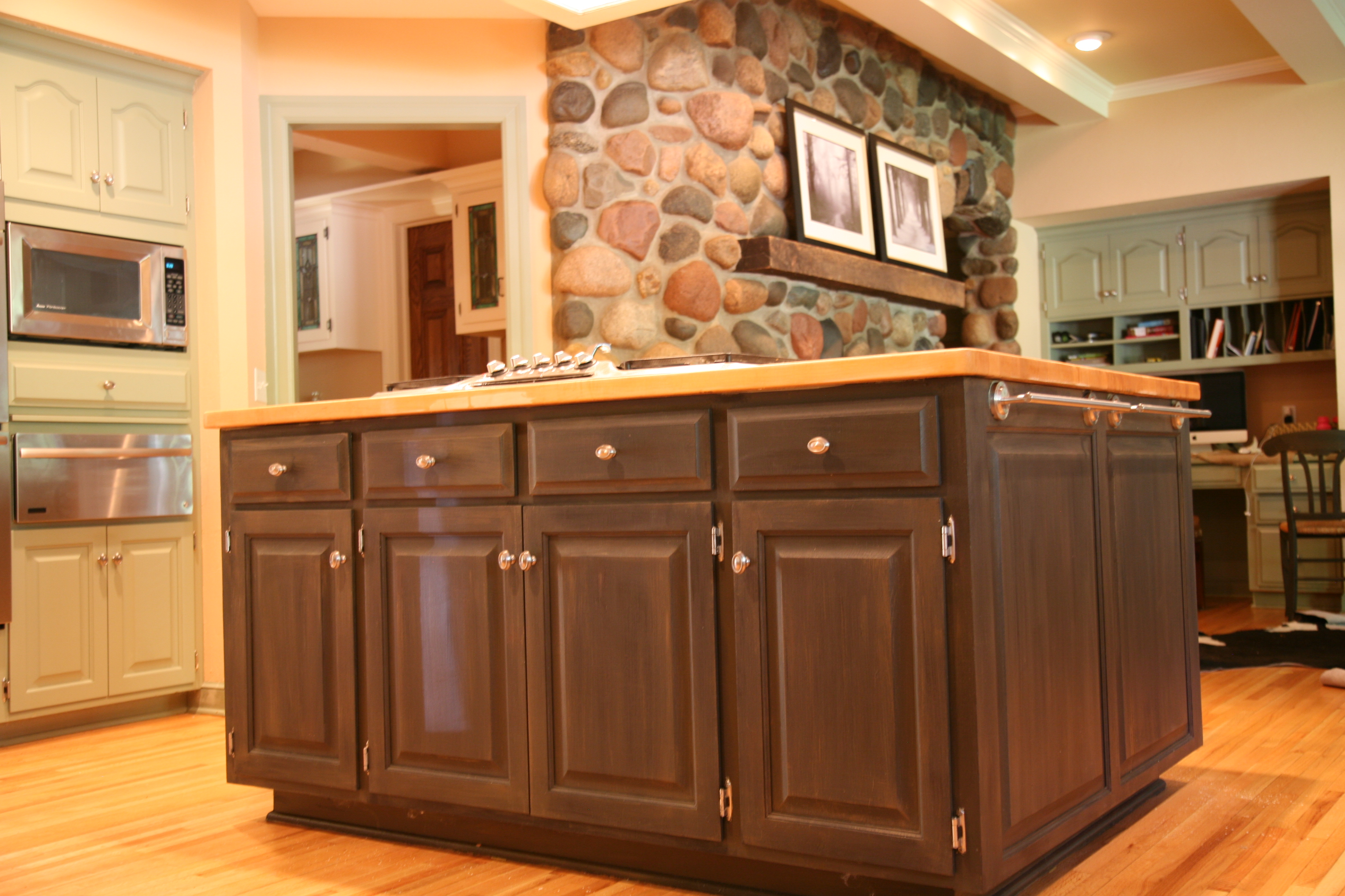 Kitchen update revitalizing a butcher block island for Cuisine originale